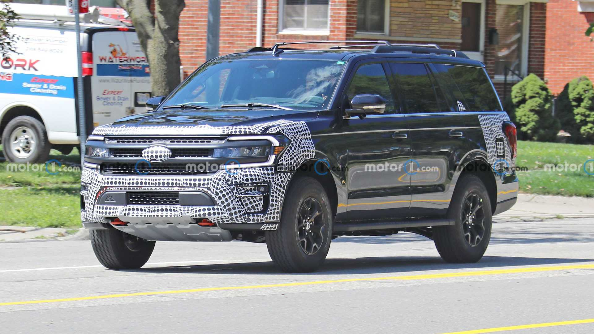 https://cdn.motor1.com/images/mgl/PzNEL/s6/2022-ford-expedition-timberline-new-spy-photo.jpg